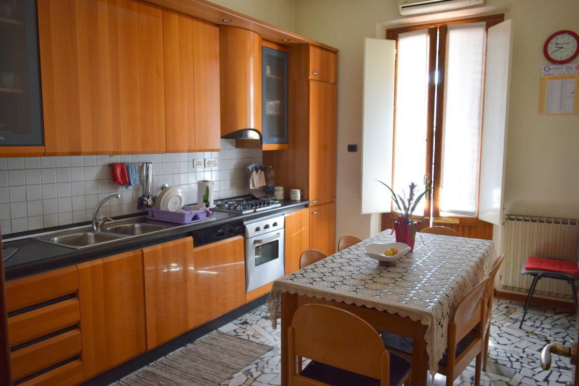 Casa con Magazzino Tobbiana