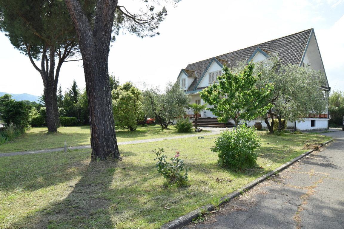 Quarrata – Villa Stile Cottage Inglese