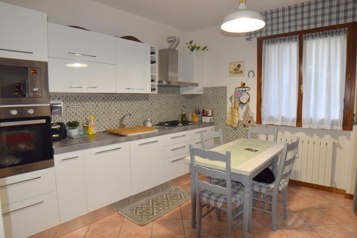 Fontanelle: Appartamento con terrazza abitabile e garage